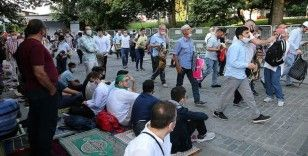 Vatandaşlar, sabah namazında Ayasofya-i Kebir Cami-i Şerifi'ne akın etti