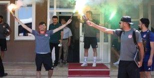 Sivasspor, Göztepe maçı için İzmir'e gitti
