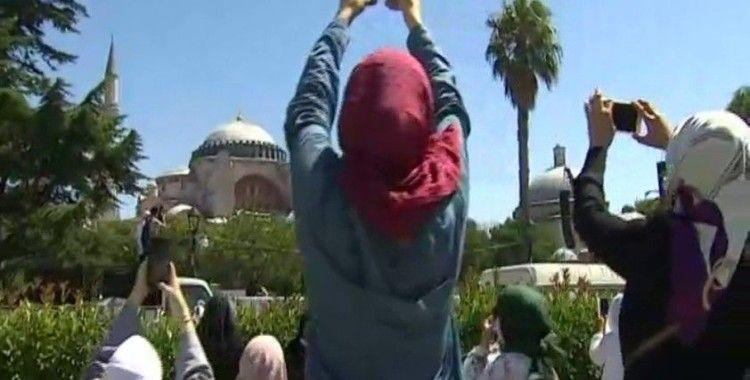 Kadınlar Ayasofya Camii'ne akın etti