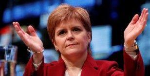 İskoç Başbakan'dan Boris Johnson'a sert tepki: 'Covid-19'u politik silah olarak kullanıyor'