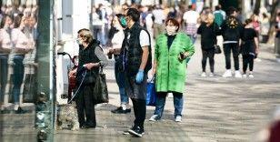 Avusturya ve Çekya'da 'yeniden maske kullanma' zorunluluğu