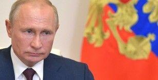 Putin ve Zelenskıy Ukrayna'daki iç savaşı görüştü