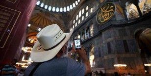 Ayasofya-i Kebir Cami-i Şerifi'nde ziyaretçi yoğunluğu sürüyor