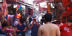 Eminönü'nde bayram öncesi hareketlilik