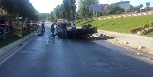 Sultangazi'de feci kaza: Takla atan aracın içinden fırladı