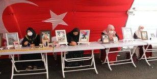 HDP önündeki ailelerin evlat nöbeti 330'uncu günde