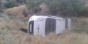 Mardin'de otomobil şarampole uçtu: 1 yaralı