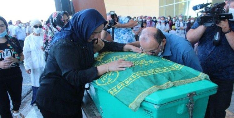 Mersin'deki kazada hayatlarını kaybeden otobüs şoförlerine hüzünlü tören