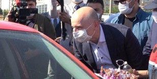 Bakan Karaismailoğlu '43 ilin' geçiş noktasında trafik denetlemesine katıldı