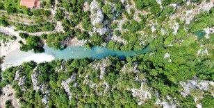 Kahramanmaraş'ın Kanlıbüvet Kanyonu turkuaz rengiyle ilgi görüyor
