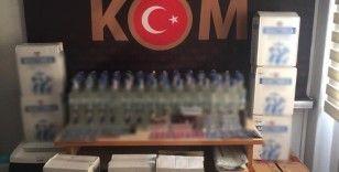 İzmir'de kaçak içki ve cinsel içerikli hap operasyonu