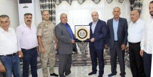 4 eşi, 56 çocuğu ve 300'den fazla torunu olan Hamo Ağa'ya 'Barış Elçisi' plaketi