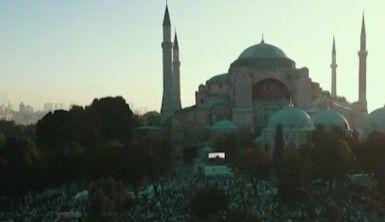 Ayasofya'da ilk Bayram Namazı binlerin katılımıyla kılındı