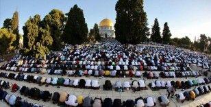 On binlerce Müslüman Kurban Bayramı namazını Mescid-i Aksa'da kıldı