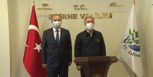 Bakan Akar ve TSK komuta kademesi Edirne Valiliğini ziyaret etti