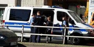 Berlin'de bankaya 'biber gazlı' saldırı