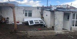 Sel, hortum Ardahan'da hayatı felç etti