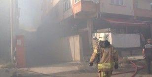 İş yerinden yükselen dumanlar paniğe yol açtı