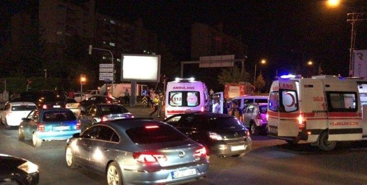 Irak Büyükelçiliğine ait otomobil kaza yaptı: 4 yaralı