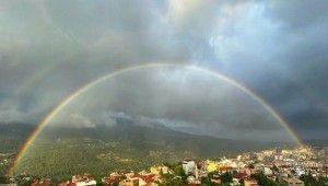 İskenderun'da yaz yağmuru hayatı olumsuz etkiledi