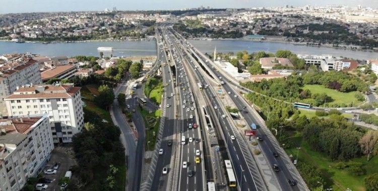 Bayram sonrası ilk mesai gününde trafik yoğunluğu