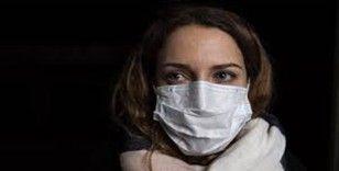 Paris'in bazı bölgelerinde açık havada maske takma zorunluluğu