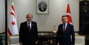 Cumhurbaşkanı Yardımcısı Oktay, KKTC Başbakanı Tatar ile görüştü