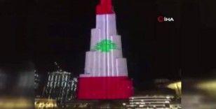 Dubai'deki Burc Halife, Lübnan bayrağının renklerine büründü