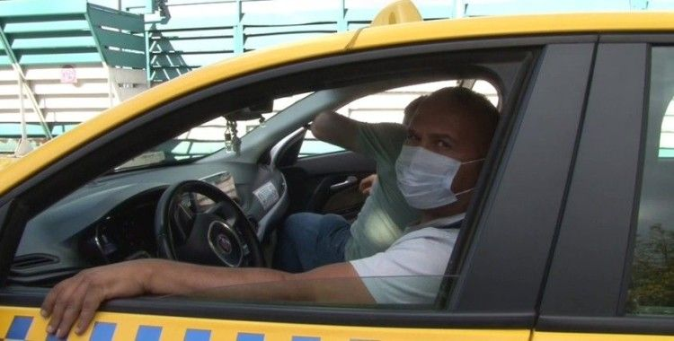 Maskesiz ticari taksiye binen yolcu ceza yemekten kurtulamadı