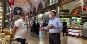 Vali Yerlikaya, Mısır Çarşısı'nda koronavirüs denetimine çıktı