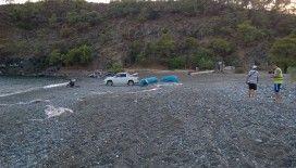 Çıralı'daki caretta caretta yuvalarına arazi araçlarıyla zarar vermişler