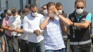 Adana'da muvazzaf askerlere FETÖ operasyonu