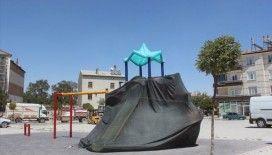 Konya'da koronavirüs tedbirleri kapsamında oyun parkları çadırla kapatıldı
