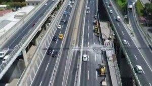 Haliç Köprüsü'ndeki yoğun trafik havadan görüntülendi