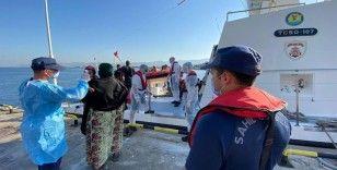 Yunanistan tarafından itilen lastik bot içerisindeki 88 düzensiz göçmen kurtarıldı