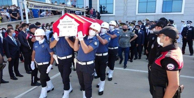 Kaçan aracı kovalarken kazada şehit olan polis için tören düzenlendi