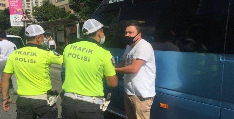 Ataşehir'de hat kavgasında minibüs esnafı isyan etti