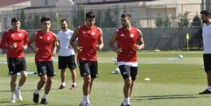 Antalyaspor, Afyonkarahisar kampında ilk antrenmanına çıktı
