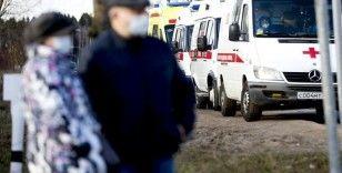 Rusya'da Kovid-19 vaka sayısı 900 bine yaklaştı