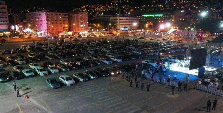 Kıraç'tan Kocaeli'de arabalı konser