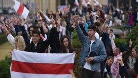 Belarus'ta cumhurbaşkanlığı seçimlerini protesto edenlere polis müdahalesi