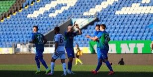 Çaykur Rizespor, Trabzonspor'a 4-3 mağlup oldu