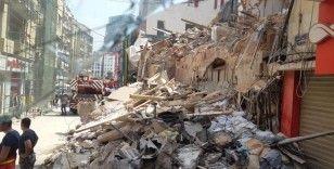 Beyrut'ta enkaz altındaki kişiyi kurtarma çalışmaları yeniden başladı