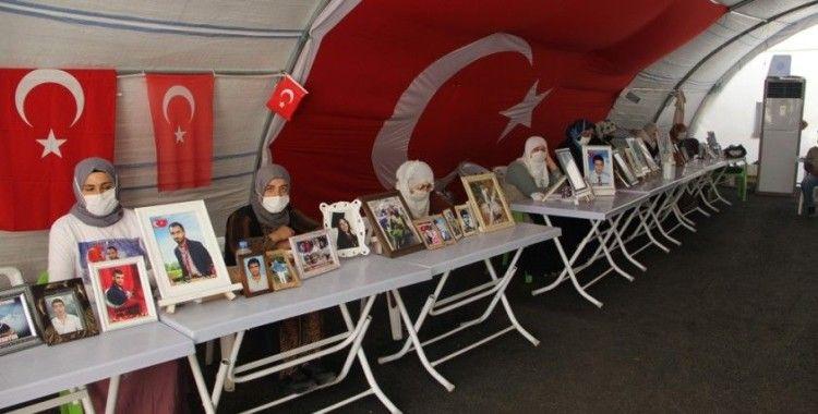 HDP önündeki ailelerin evlat nöbeti 368'inci gününde