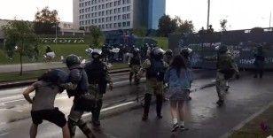 Belarus'ta protestoculara polis müdahalesi