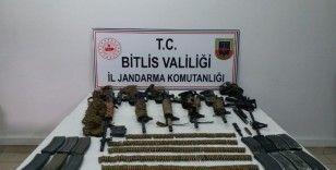 Bitlis'teki terör operasyonunda çok sayıda silah ve mühimmat ele geçirildi