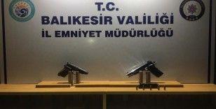 Balıkesir'de polis 15 silah ele geçirildi