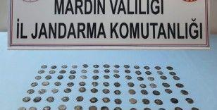 Mardin'de tarihi eser kaçakçılığı operasyonu: 117 adet gümüş sikke ele geçirildi