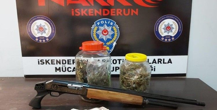 İskenderun'da uyuşturucu ve kaçak sigara operasyonu