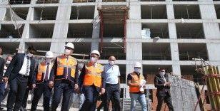 Bakanlar Kasapoğlu ve Kurum yurt inşaatında incelemede bulundu